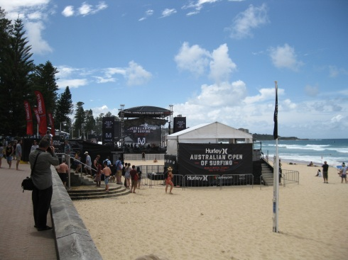 At the main Manly Beach, surfing and skateboarding competitions were under way. And a band played in the distance here. Paid $14 AUS for a pint of microbrew in Manly. Wow.