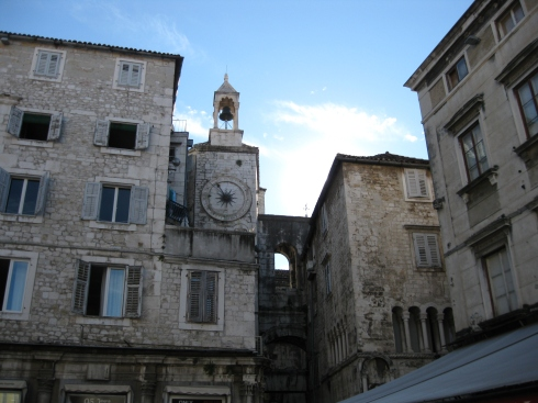 A clock tower at the western gate of the palace.